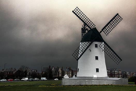 Lytham windmill by Susan Tinsley