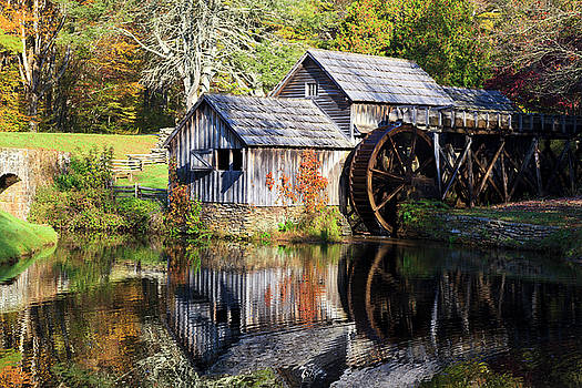 Jill Lang - Mabry Mill with Autumn Color