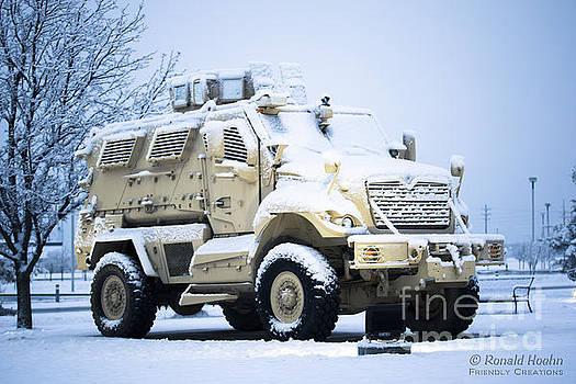 Machines of War by Ronald Hoehn