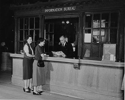 Chicago and North Western Historical Society - Madison Street Station Information Bureau -1940