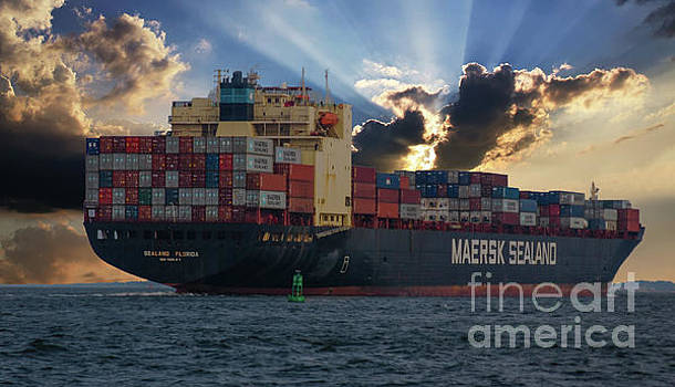 Dale Powell - Maersk SeaLand Leaving Charleston South Carolina