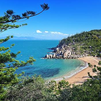 Magnetic Island  by Keiran Lusk