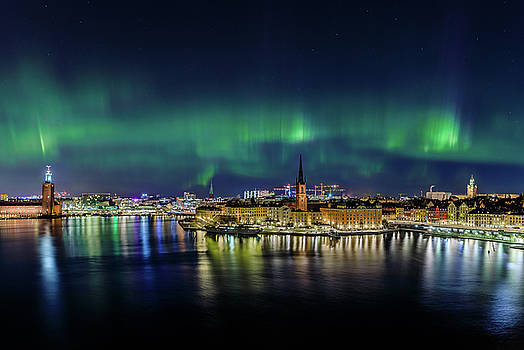 Magnificent Aurora Dancing over Stockholm by Dejan Kostic
