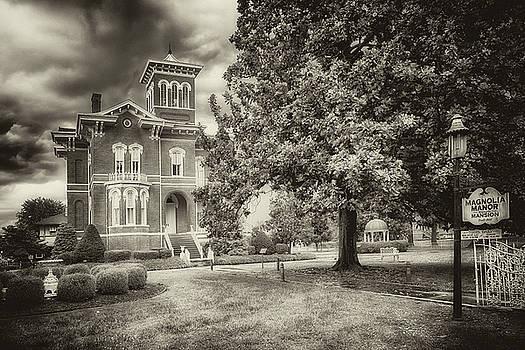 Susan Rissi Tregoning - Magnolia Manor in Black and White