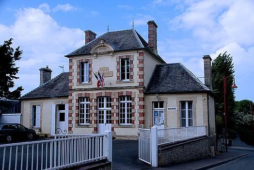 Mairie by Eric Tressler