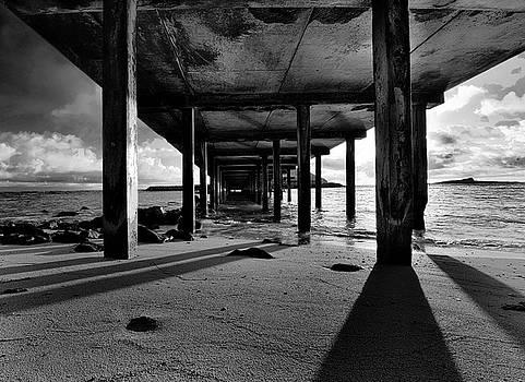Makai Pier, Oahu by Art Shimamura