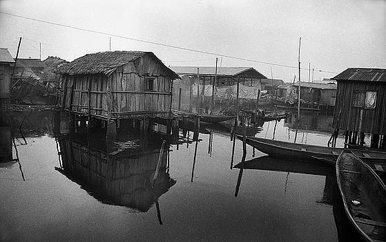 Muyiwa OSIFUYE - Houses on stilts