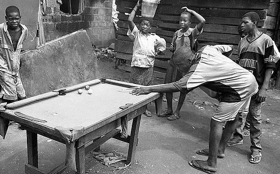 Muyiwa OSIFUYE - Playing their snooker or pool