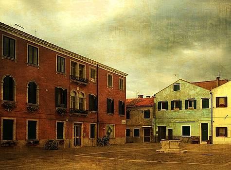 Malamocco Piazza No1 by Anne Kotan