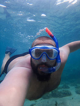 Newnow Photography By Vera Cepic - Male model snorkling underwater