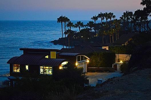 Tommi Trudeau - Malibu Beach House - Evening