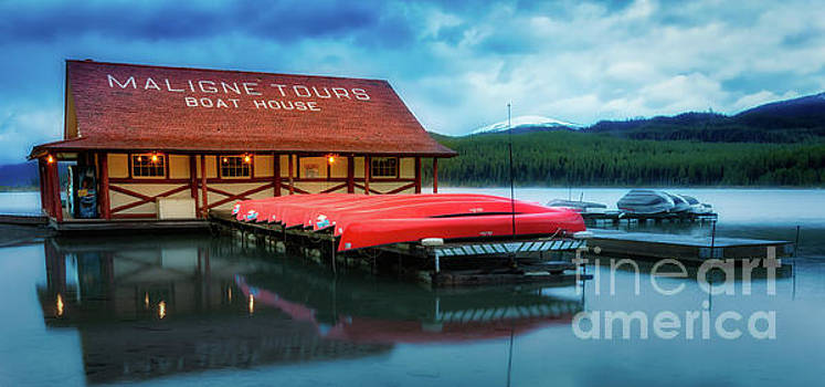 Maligne Lake Boathouse by Jerry Fornarotto