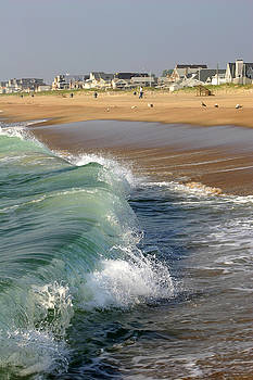 Manasquan Wave by Kelly S Andrews