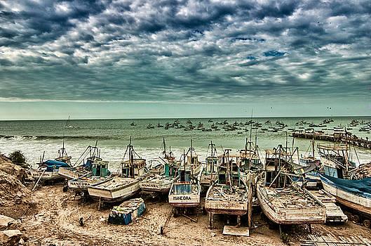 Mancora Boats by Richard Espenant