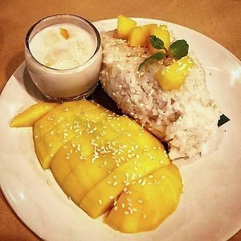 Mango Sticky Rice by Arya Swadharma