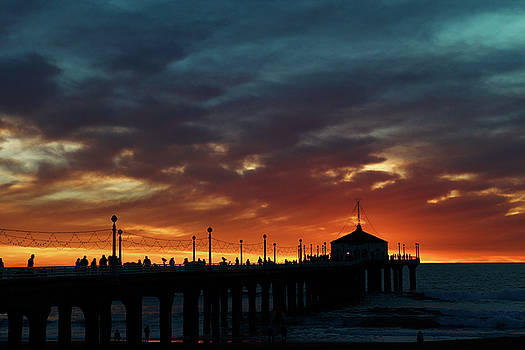 Manhattan Beach Sunset  by Mark DeJohn