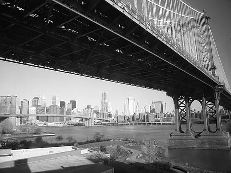 Manhattan Bridge overlooking Brooklyn Bridge by Susan Gauthier