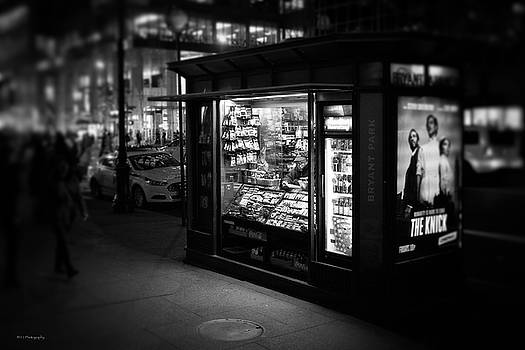 Manhattan Newsstand, 42nd Street by Ross Henton