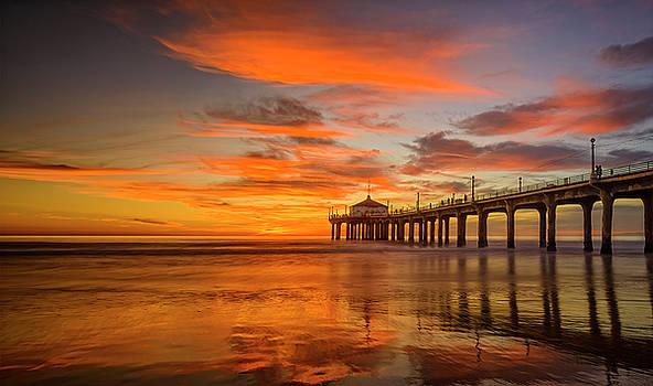Manhatten Beach Pier Sunset by Nazeem Sheik