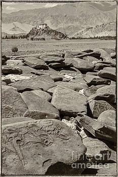 Mani Wall and Monastery by Hitendra SINKAR