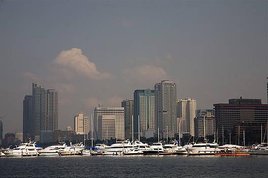 Manila Bay.  by Christopher Rowlands