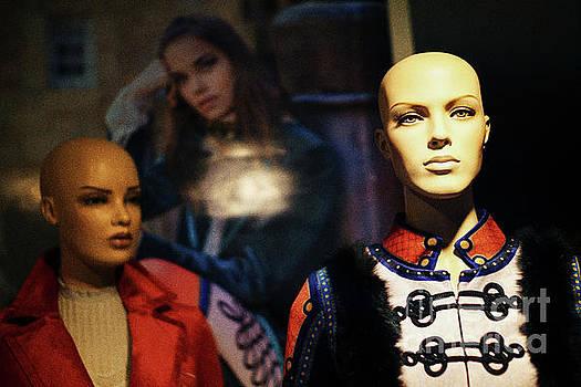 Mannequin Showcase Cadiz Spain by Pablo Avanzini