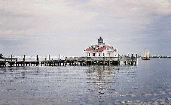 Manteo Lighthouse by Kelley Nelson