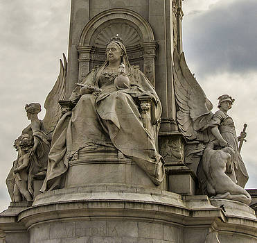Marble Queen Victoria Memorial Statue by Suanne Forster