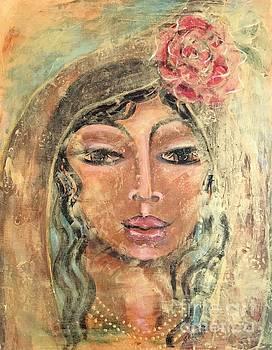 Maria De Oro Con Rosas by Maya Telford