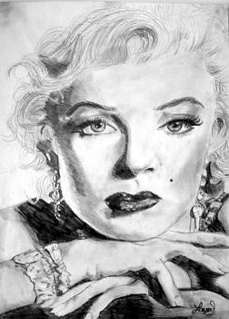 Marilyn in Pose by Laura Seed