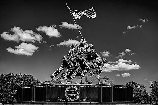 Marine Corps War Memorial by Andrew Soundarajan