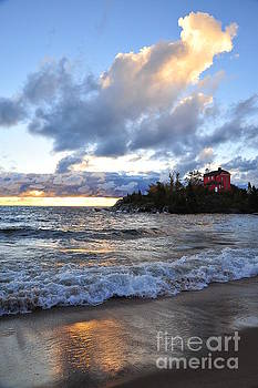 Terri Gostola - Marquette Lighthouse