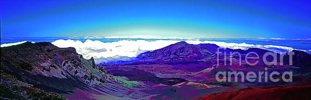 Maui, Haleakala, National Park, Outlook  by Tom Jelen