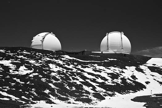 Venetia Featherstone-Witty - Mauna Kea Observatories in Black and White