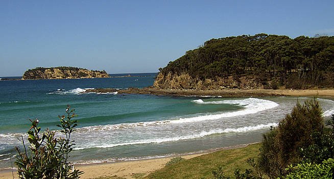 Elisabeth Dubois - McKenzies Beach