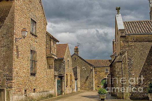 Patricia Hofmeester - Medieval village Buxy in France