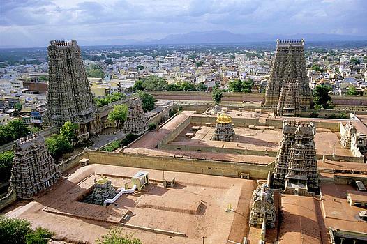 Sami Sarkis - Meenakshi Amman Temple and cityscape of Madurai in India