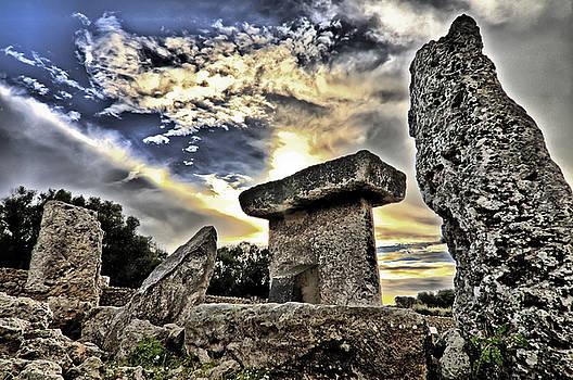 Pedro Cardona Llambias - Megalithic building Taula in Trepuco Menorca Bronze age