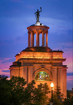 Memorial Building Hamilton by Greg Grupenhof