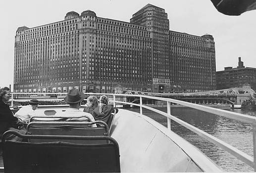 Chicago and North Western Historical Society - Merchandise Mart Seen From Wendella Boat - 1962