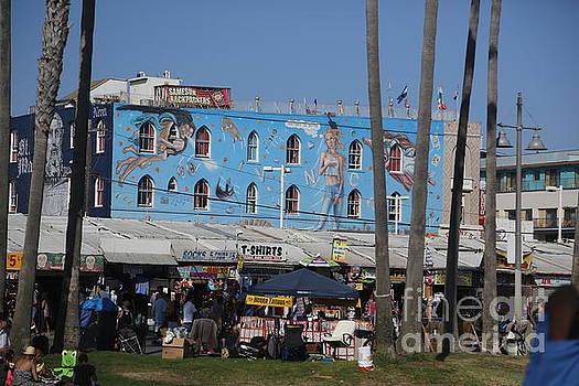 Chuck Kuhn - Merchants selling street