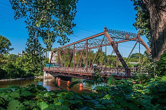 Merriam Street Bridge by Lonnie Paulson