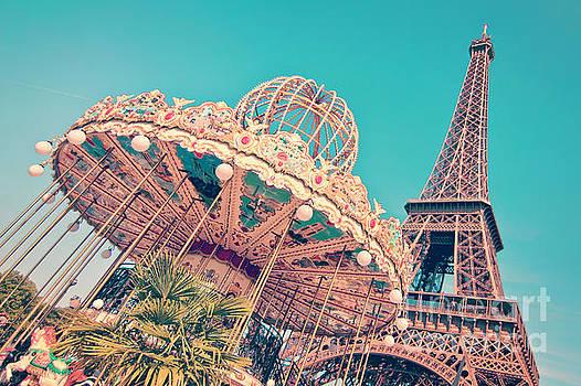 Delphimages Photo Creations - Merry go Paris