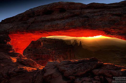 Mesa Arch by Michael Morris