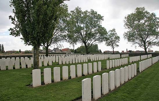 Messines Ridge British Cemetery by Travel Pics