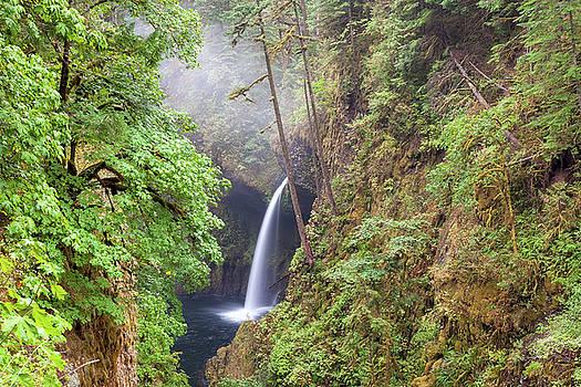 Metlako Falls in Columbia River Gorge by David Gn