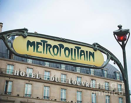 Metro Louvre by Sonja Quintero