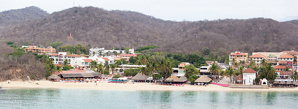 Ramunas Bruzas - Mexican Resort Panorama