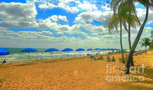 Miami Beach by Raymond Earley