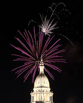 Michigan Capitol Dome Fireworks by Gej Jones